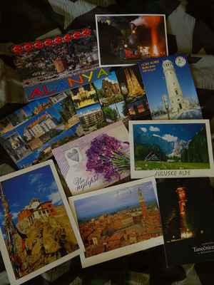 A závěrem již tradiční foto pohlednic který dorazili v několika posledních týdnech,od rodiny a kamarádů z cest...Z Čech,Toskánska,Slovinska,Rumunska,Polska,Turecka,Španělska a Indie.DĚKUJEME velmi za všecky