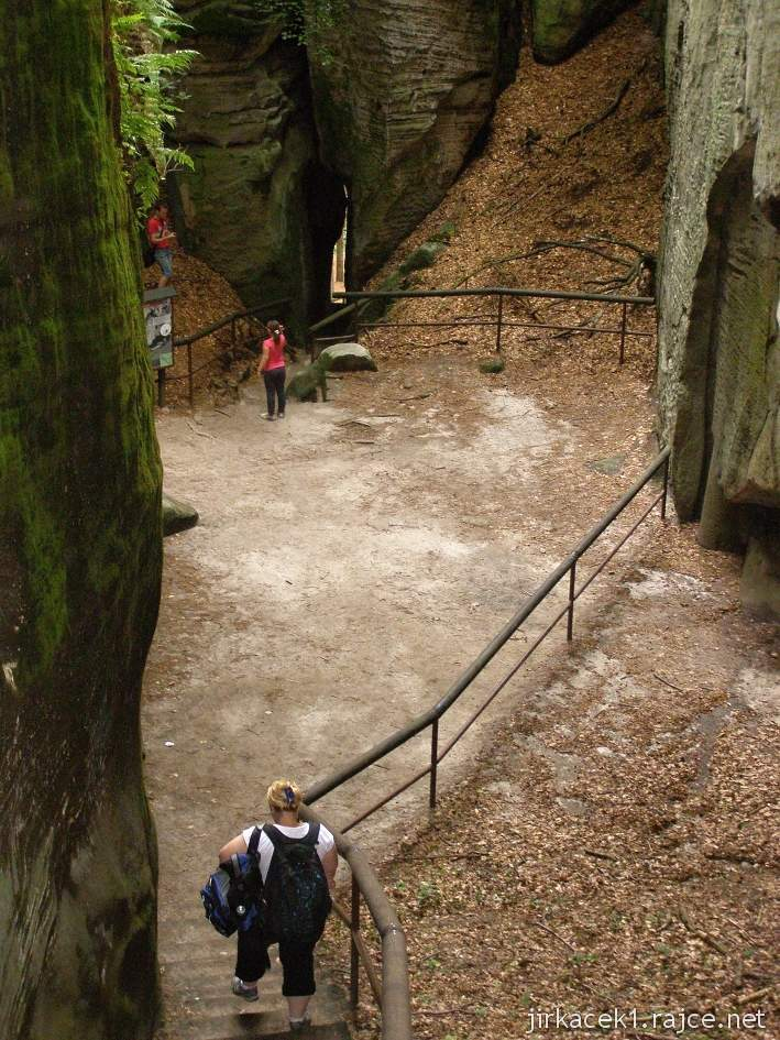 Hruboskalsko - Adamovo lože - prostranství mezi skalami